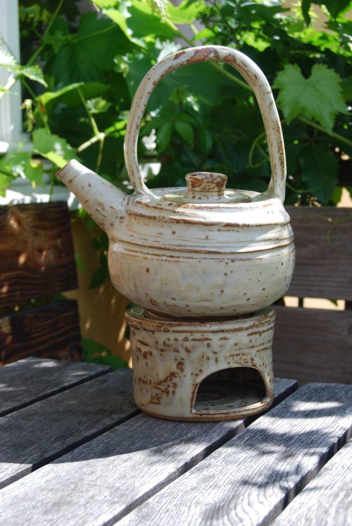 Ton in Ton Keramik Katarina Petersilge Teekanne mit Henkel